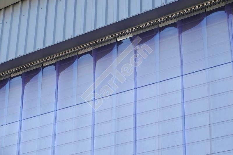 PVC Thermovorhang an Lagertür, glasklar