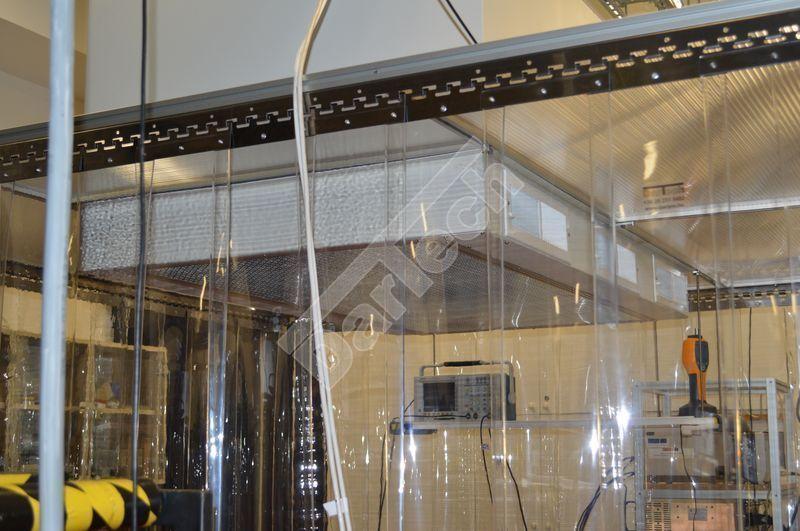 Schutzvorhang in Raumteiler-Werkstatt